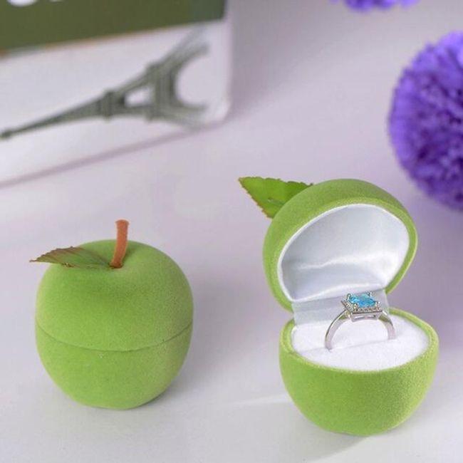 gyűrűs alma)