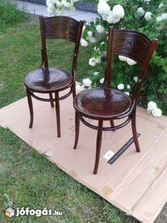 a szék összeillik)