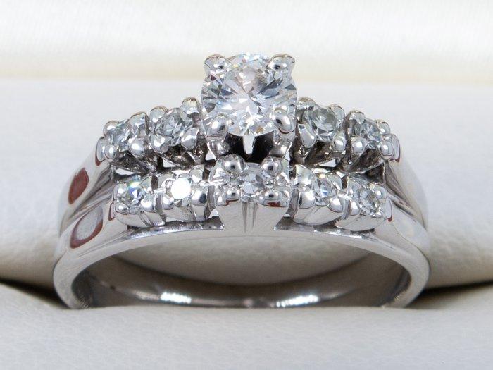 magányos gyémánt)