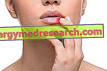 papilloma vírus a száj ajkán